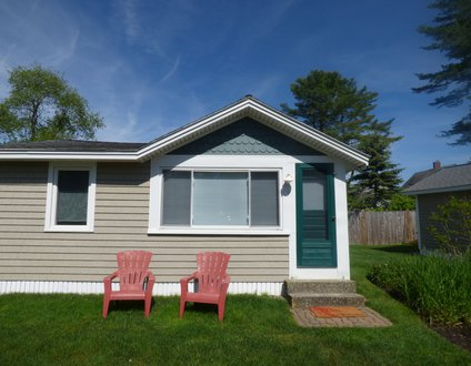 884: AIR CONDITIONED COTTAGE