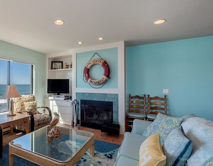 Colorful Family Home by the Sea Cypress 23