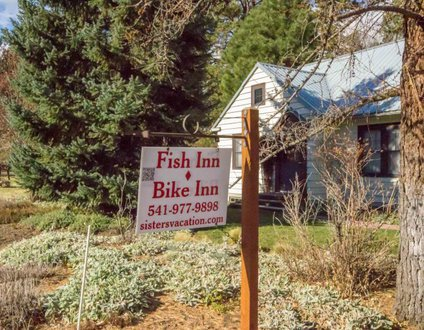 Fish Inn Bike Inn