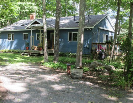A Tranquil Lakefront Retreat With Kayaks | Central Location | Country Living On The Water | Duck Inn
