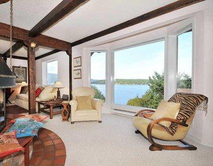 Seagulls Gulf Island View House