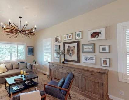 Chic Truckee Downtown Getaway