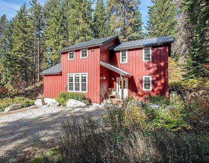 Plain Red Cabin