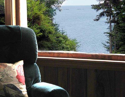 Thankfulnest | East Boothbay, Maine | Ocean Point | Grimes Cove Beach & Boat Launch | Dog Friendly