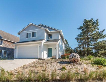 Beach Walker #103-Brand new home, luxury amenities & close to beach!
