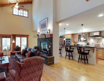 Pinyon Creek Upscale Vacation Retreat
