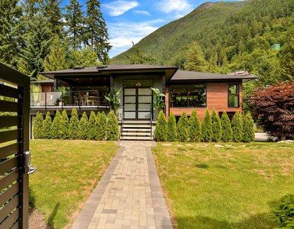 Contemporary West Coast Paradise Estate