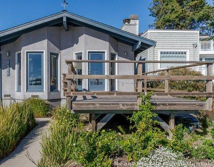 Oceanfront Harbor House