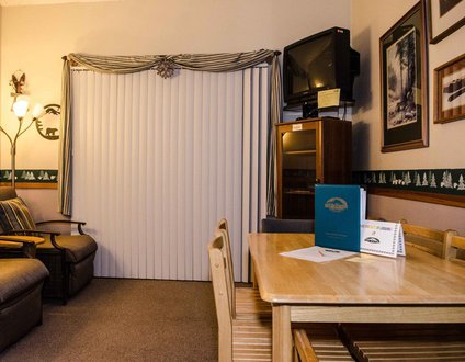 33SLL - Economical - Convenient - Sleeps 6