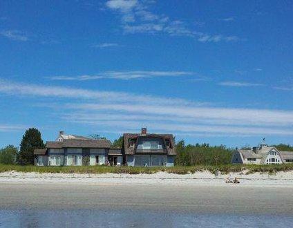 807: House on the Beach