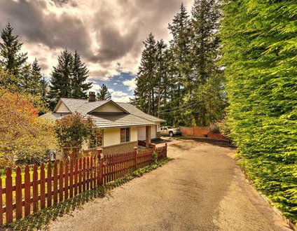 Nanoose Bay Country Home
