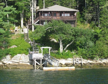 Saltaire Vintage Oceanfront Log Cabin | Boothbay Harbor | Linekin Bay | Appalachee Lake | Private Dock & Float | Shared Beach | Maine Getaway