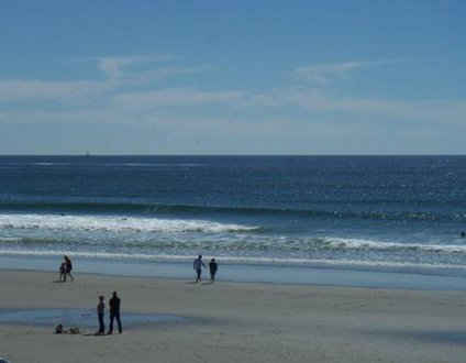 923: Walk to Beach