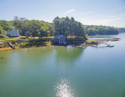 Captain Kents Place On Sawyer'S Island | Pet-Friendly, Historic Farmhouse, Private Dock & Float