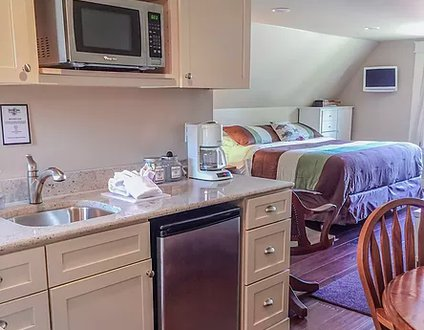Hood Canal Grand Cottage - Studio Suite