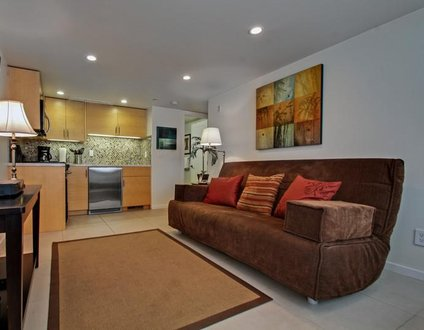 Oceanside Beachfront Studio - Monthly Rental