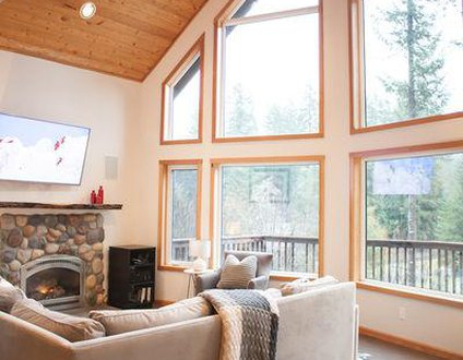 Snowline Cascadia Chalet