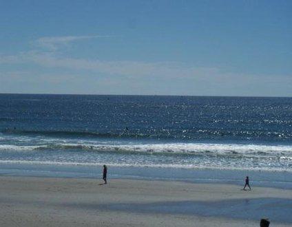 951: Steps to the Beach