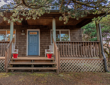 Pier Paradise #109 – Comfortable home, dead end street right next to beach. Pet OK, fenced yard