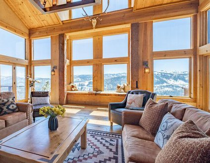 Lakeview Mountaintop Chateau with Private Hot Tub