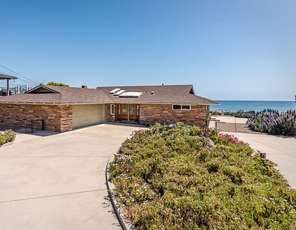 Elsa's Ocean Front Retreat-Monthly Rental