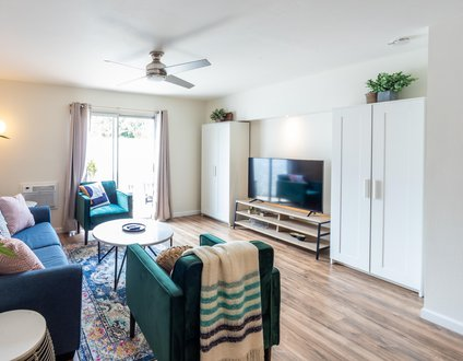 The Retreat, Unit 4 | Freshly Renovated 2/2 Apt. in Mission Bay!