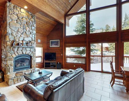 Donner Lake Vacation Lodge