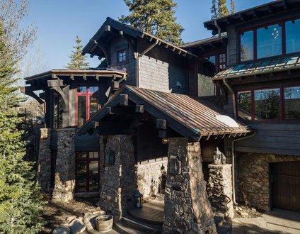 Nordic Pine Lodge