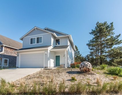 Beach Walker #103-Brand new home, luxury amenities & close to beach!