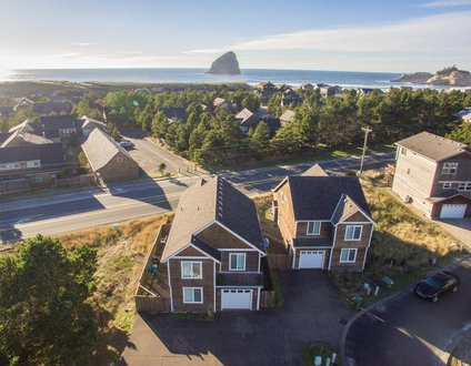Treasure Chest #110-4 bedroom gorgeous home near beach, gas fireplace