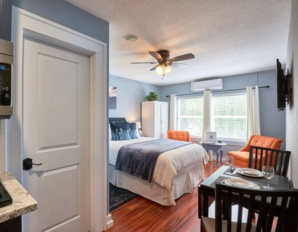 Yamhill Flats: Suite 2