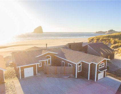 Bailey's Place #173 – Brand new luxury oceanfront home in Kiwanda Shores