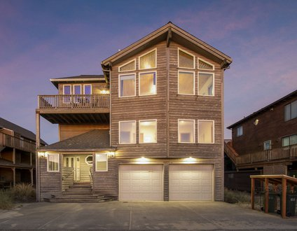 Silver Surfer #150 – Gorgeous Oceanview home across from beach