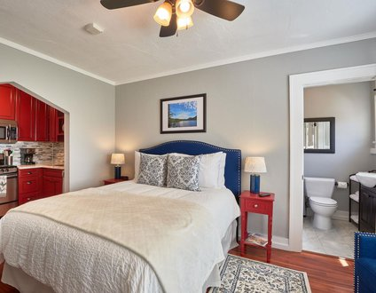 Yamhill Flats: Suite 4